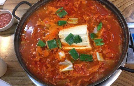 קציצות טופו ותירס ברוטב עגבניות